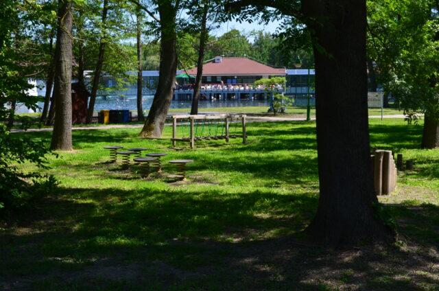 Территория хевизского озера. Игровая площадка