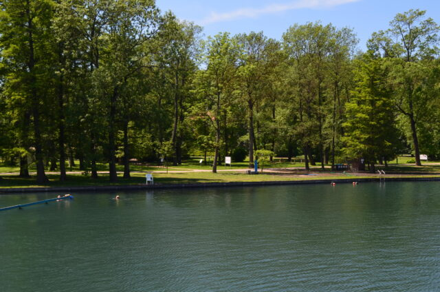 Термальное озеро