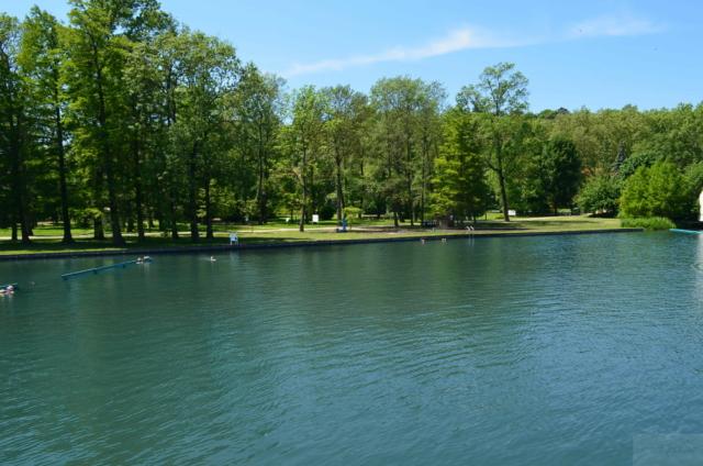 Озеро в Хевизе. Фитнесс парк