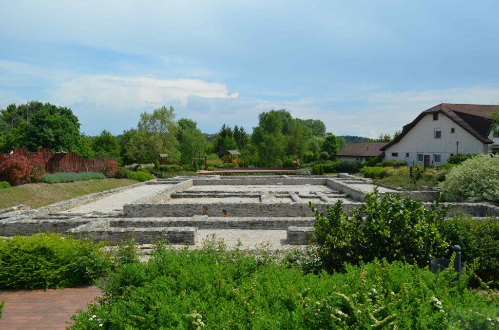 Римские развалины в Хевизе