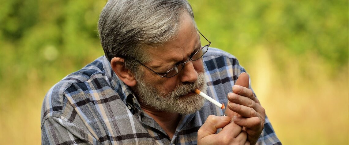 Курение может ухудшить болезнь Бехтерева