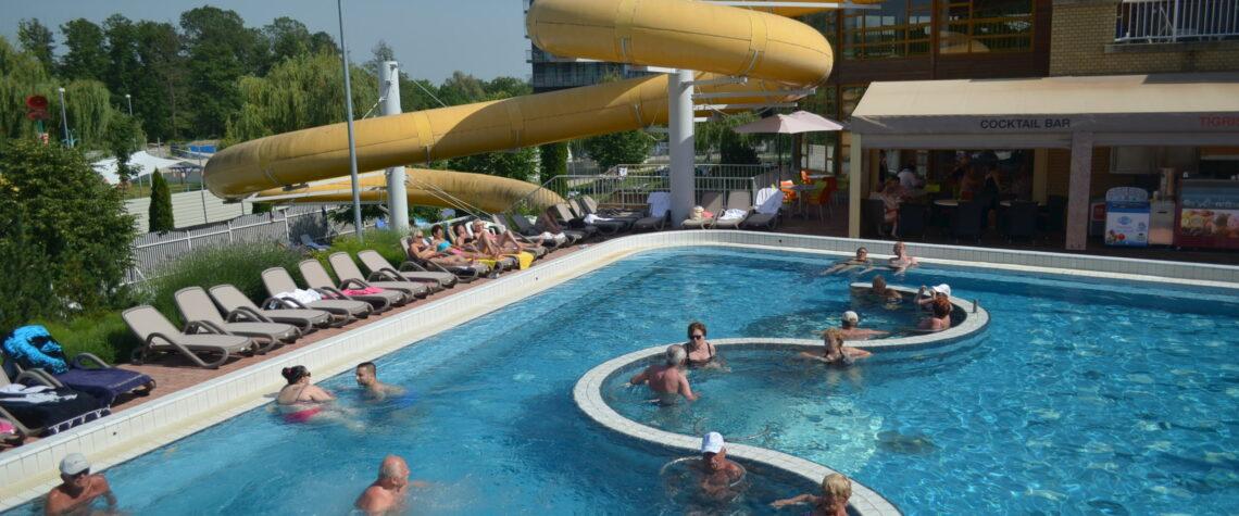 Открытый бассейн в Залакароше