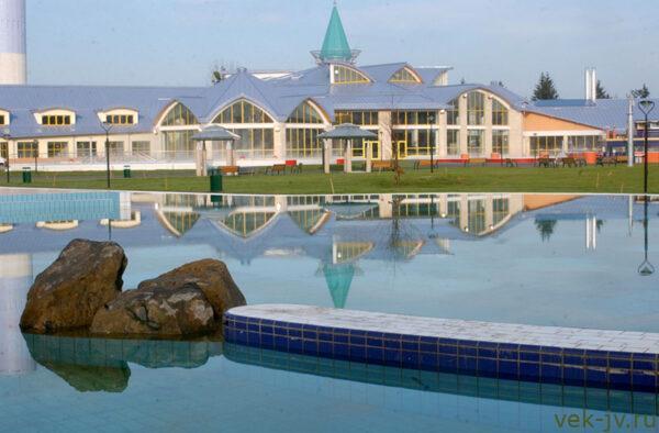 Шарварская купальня